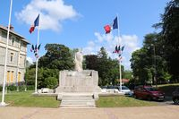 64024 - Anglet Monument aux morts.jpg