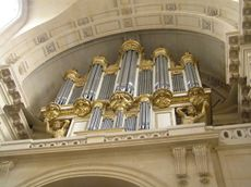 Eglise St Louis des Invalides Orgue du facteur Thierry 1679.jpg