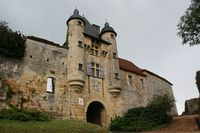 24164 - Excideuil Chateau porte principale.jpg
