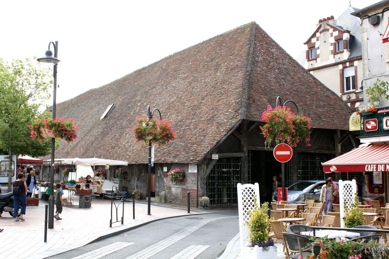 14225 - Dives-sur-Mer Les halles Extérieur.jpg
