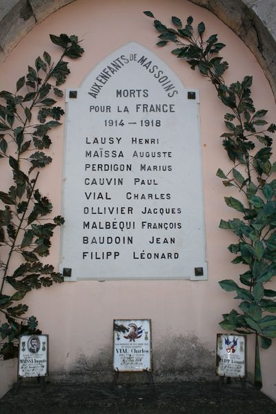 Fichier:06082 - Massoins Plaque commemorative.jpg