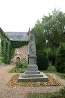 14582 - Saint-Germain-de-Livet Monument aux morts.jpg