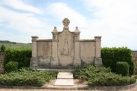 69058 - Chiroubles-Monument aux morts.jpg