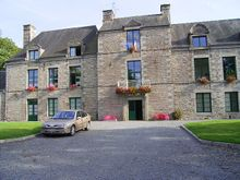 50338 Montbray mairie ancien chateau.JPG