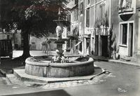 24164 - Excideuil - Fontaine Place Bugeaud.JPG