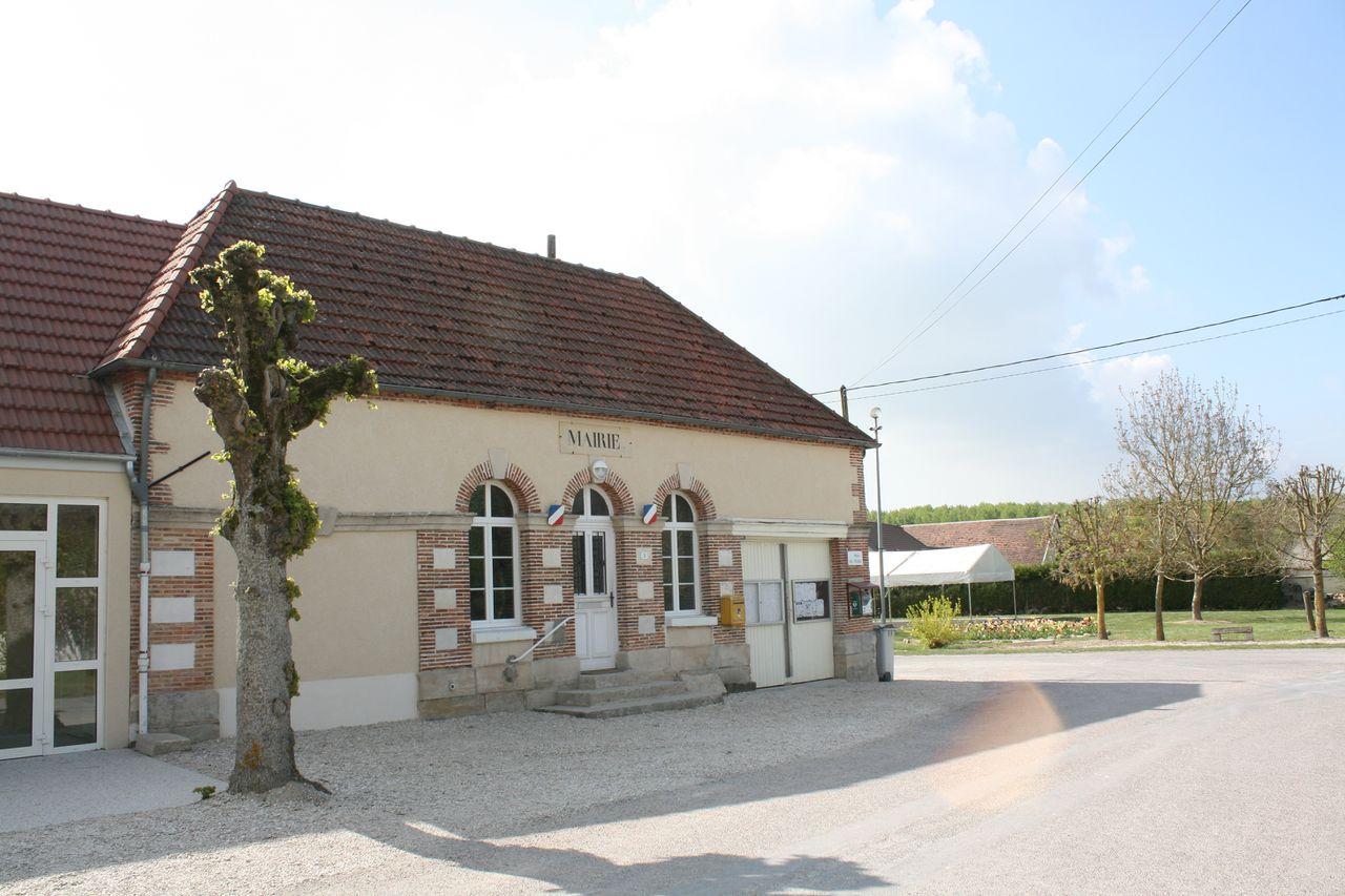 10356 - Saint-Oulph Mairie.jpg