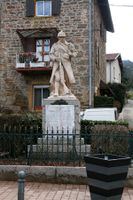 69057 - Chevinay-Monument aux morts.jpg