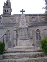 29014 - Botsorhel - Monument aux morts central.jpg